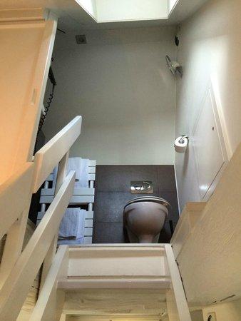Hotel Gutenberg: Treppe hinauf zum WC- und Naßbereich