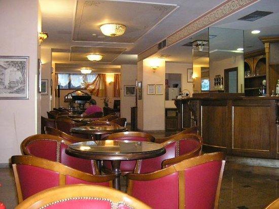 Grand Hotel Britannia Excelsior: The Bar Area