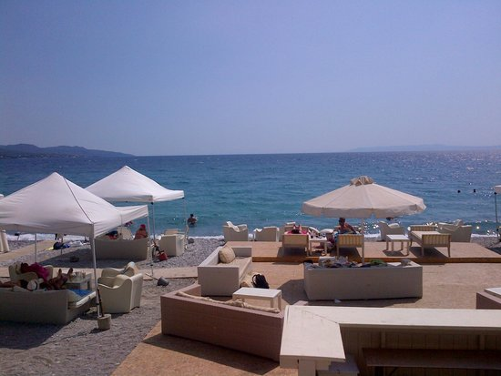 Filoxenia, the beach