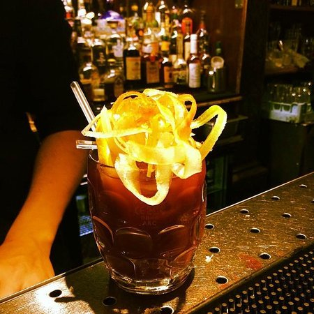 Bray on Thames, UK: Bloody Mary, The Hinds Head style