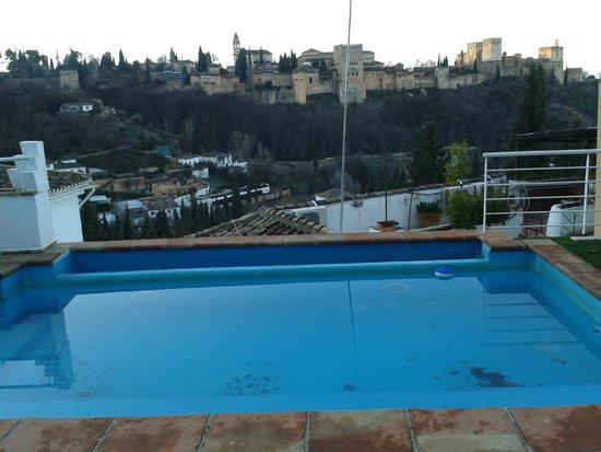 Apartamentos Montesclaros: view from the (small) swimming pool