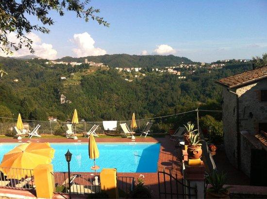 Tiglio Basso, Italië: Piscina