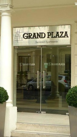 Grand Plaza Serviced Apartments : Really Nice Entrance
