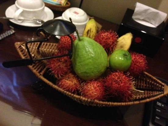 Beautiful Saigon 3 Hotel: Welcome Fruits