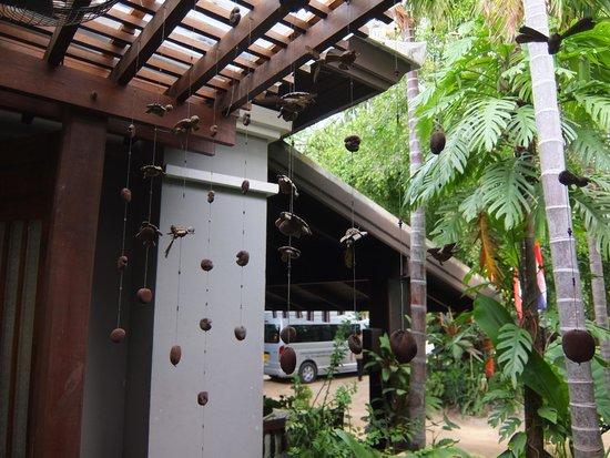 Chaweng Garden Beach Resort: a corner at hotel lobby