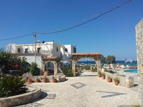 Blue Beach Villas & Apartments: Ingresso hotel