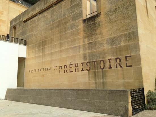 Musee National de Prehistoire: Entrance and main signage