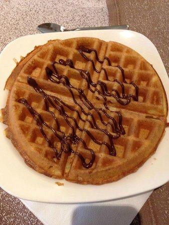 Astoria Comfort Hotel: Waffle =colazione