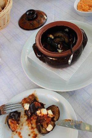 Roka Kafeneio Ouzeri: So much flavour!