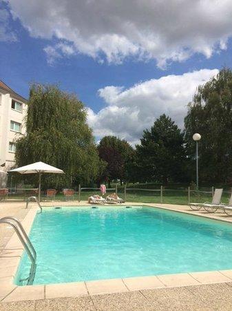 Novotel Beaune : piscine