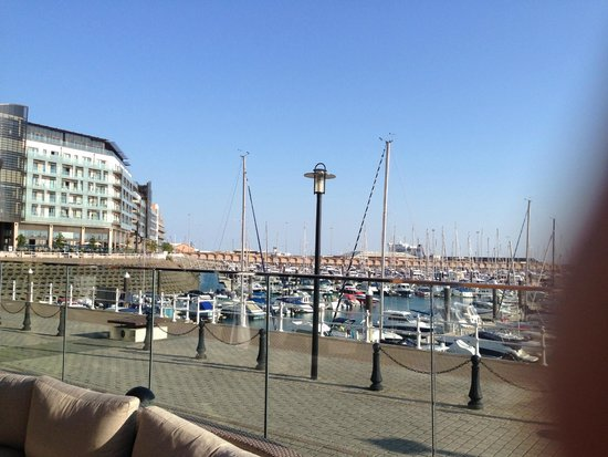 Radisson Blu Waterfront Hotel, Jersey: harbour view from the bar