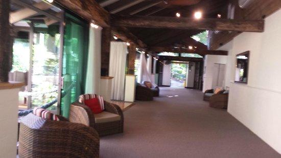 Ramada Resort Port Douglas: public area near the pool