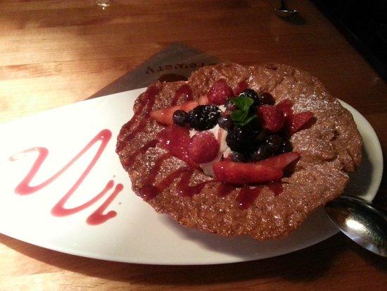 Corndance Tavern: Vanilla mousse with berries