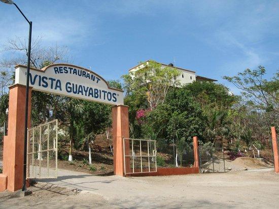 Vista Guayabitos: Entrance
