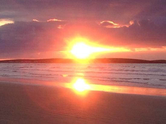 Mount Errigal : Dunfanaghy beach at sunset