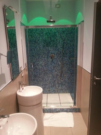 chroma hotel douche met led verlichting