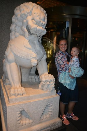 The Peninsula Beijing : There are two grand Chinese lions at the entrance of the hotel.