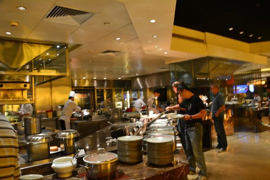 The Peninsula Beijing: One view of the fantastic breakfast buffet in the restaurant Jing.