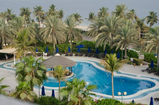 JA Jebel Ali Beach Hotel: pool with nice pool bar