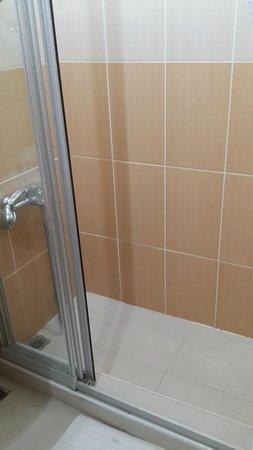 Kecik: Shower - clean
