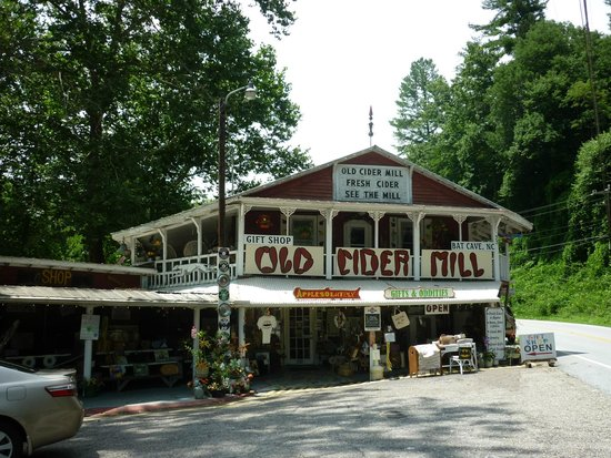 The Old Cider Mill & Applesolutely Gift Shop : Old Cider Mill, Bat Cave, NC - Apple Stop Extraordinaire