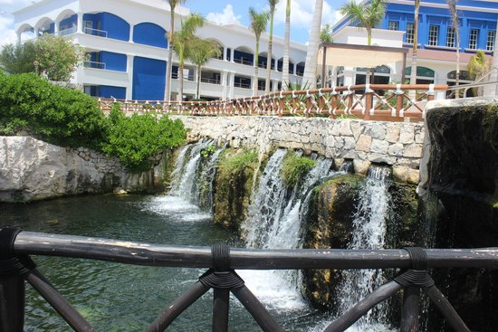 Hard Rock Hotel Riviera Maya: Waterfall