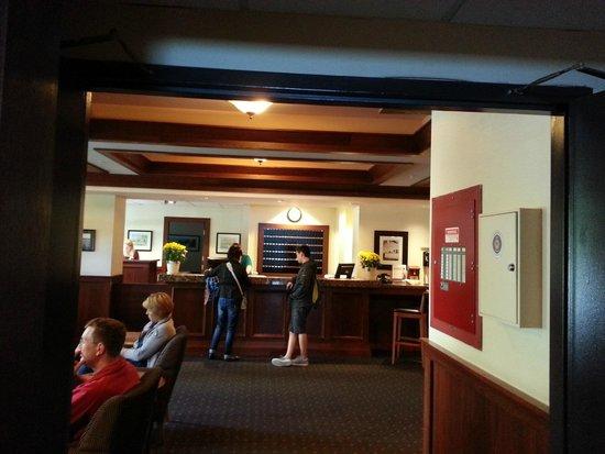 Sylvia Hotel : front desk checkin