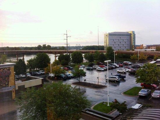 Radisson on John Deere Commons: vista da janela do quarto - rio mississipi
