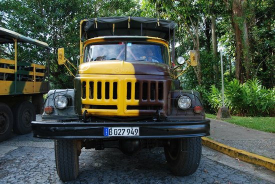 Topes de Collantes : Old Russian army truck used for transportation