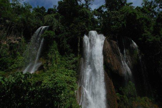 Topes de Collantes : Waterfall