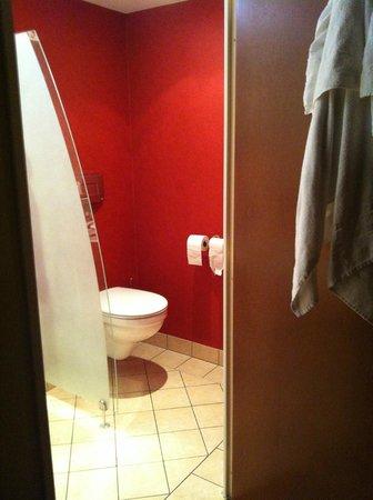 Plaza Site du Futuroscope Hotel : Toilettes