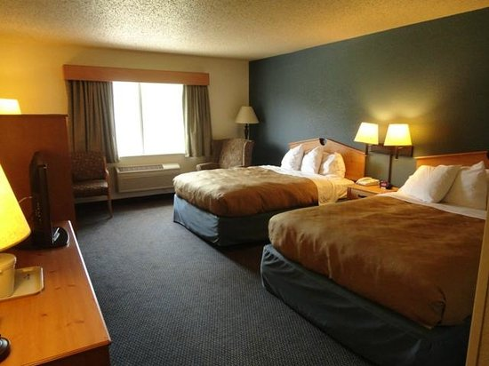 AmericInn Lodge & Suites Griswold: Room 419