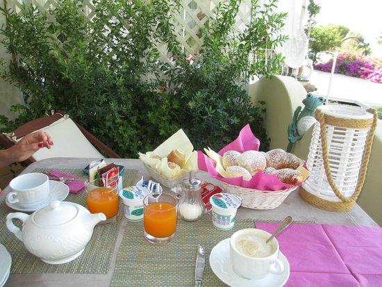 Villa Mary Suites: colazione