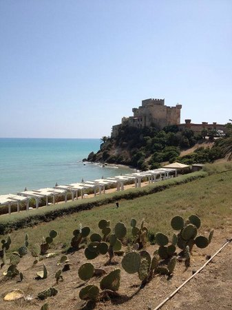 Falconara Charming House Resort & SPA: vista del solarium