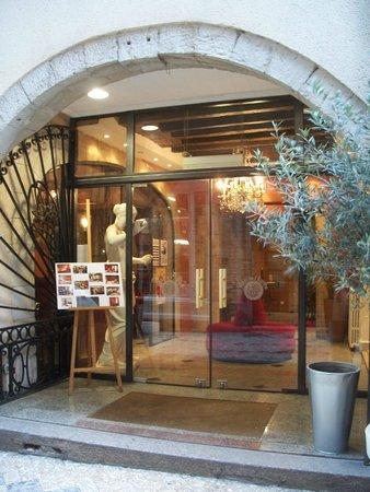 Hotel de l'Europe: l'entrée de l'hôtel