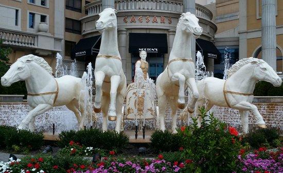 Caesars Atlantic City : Entrance of the hotel