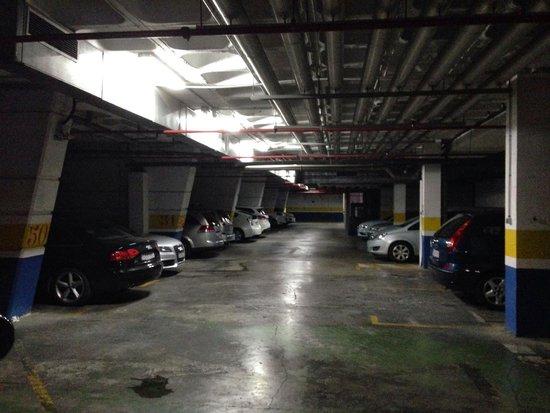 Gran Hotel Bali: Parking