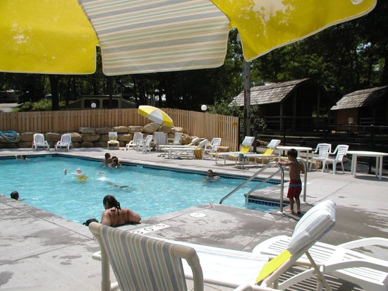 Wisconsin Dells KOA: Pool Area and Splash Pad. Open Memorial Day Weekend to mid September.