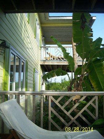 Pineapple Fields Resort: Back deck