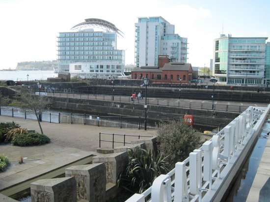 The Angel Hotel: Cardiff bay area, travel by boat from bute park. very nice