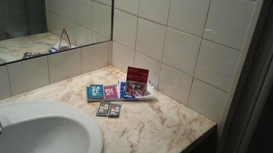 ILUNION Las Lomas: Produtos wc