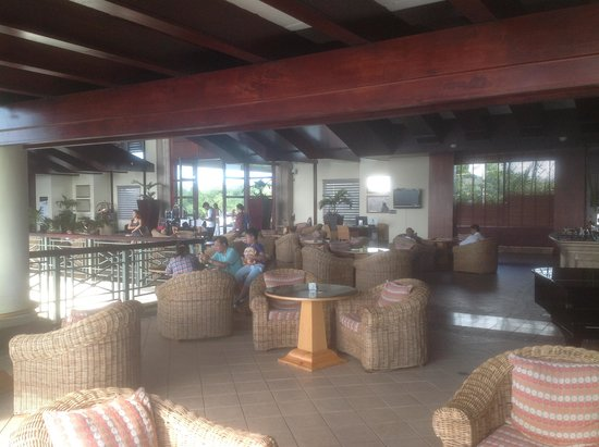 Le Meridien Ile Maurice : Reception and Bar Area
