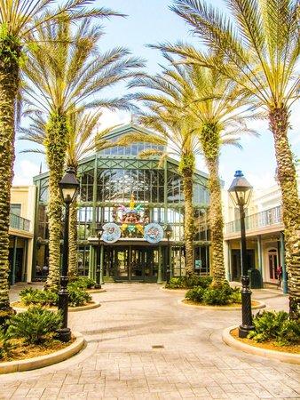 Disney's Port Orleans Resort - French Quarter: Main Entrance
