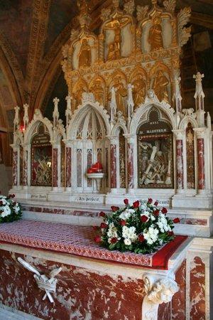 Vittorio Veneto, Italia: Altare @ Santuario Sant'Augusta - Serravalle di VITTORIO V.