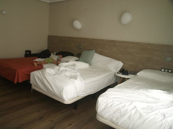 Hotel Dos Rios: Habitación doble con cama supletoria