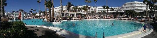 ClubHotel Riu Paraiso Lanzarote Resort : the 'quiet' pool