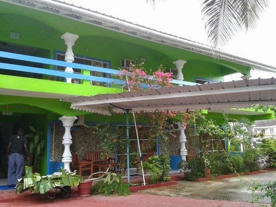 Surf Side Hotel Tobago: Surfside Rooms