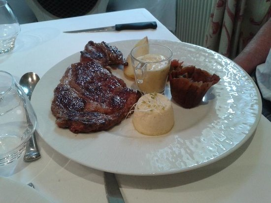 Restaurant le Cygne : Steak with sauce bearnaise