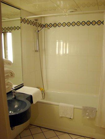 Mercure Besancon Parc Micaud: Salle de bains