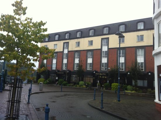 Waterford Marina Hotel: Front of hotel